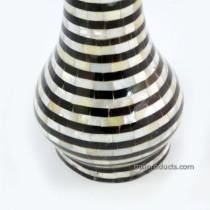 Black-and-White Round Flower Vase