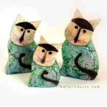 3 Capis Shell Cats