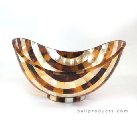Curved Penshell Bowl