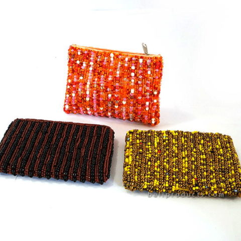 Beads Pouch With Vertical Line Motive