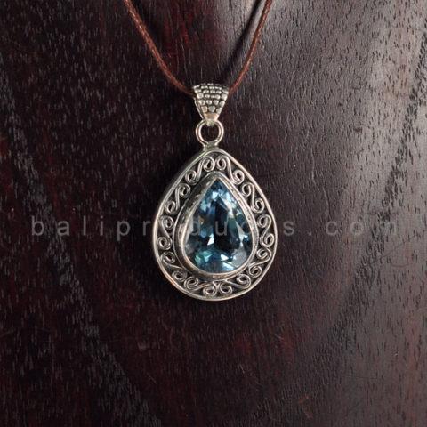 Pendant Bentuk Embun Motif Diamond Cut Biru