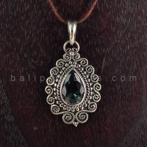 Pendant Bentuk Embun Motif Flower Diamond Cut Biru