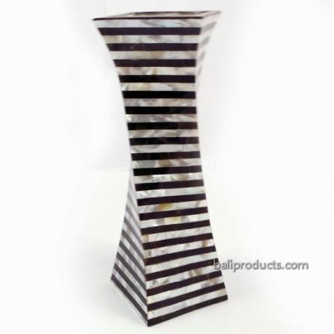 Black-and-White Twisted Flower Vase