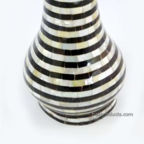 Black-and-White Round Flower Vase