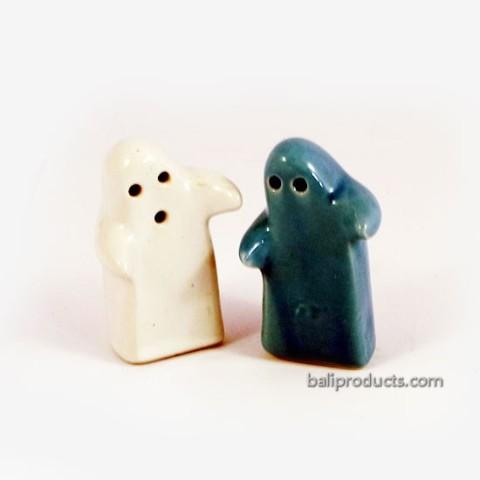 Salt Shaker Hug Blue