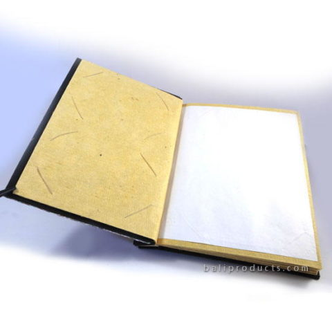 PAPER SCRAP PHOTO ALBUM MEDIUM