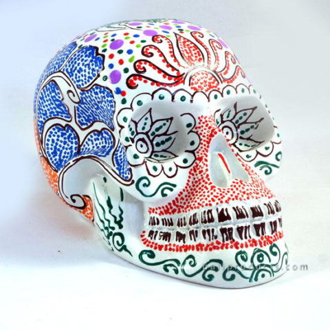 Resin Skull Batik White