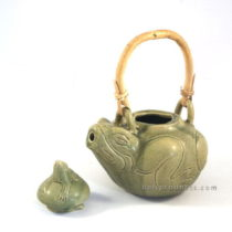 Ceramic Tea Pot Frog