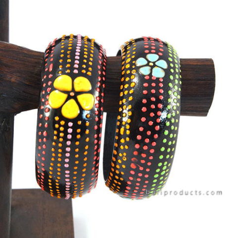 Wood Bangle Dot Motif